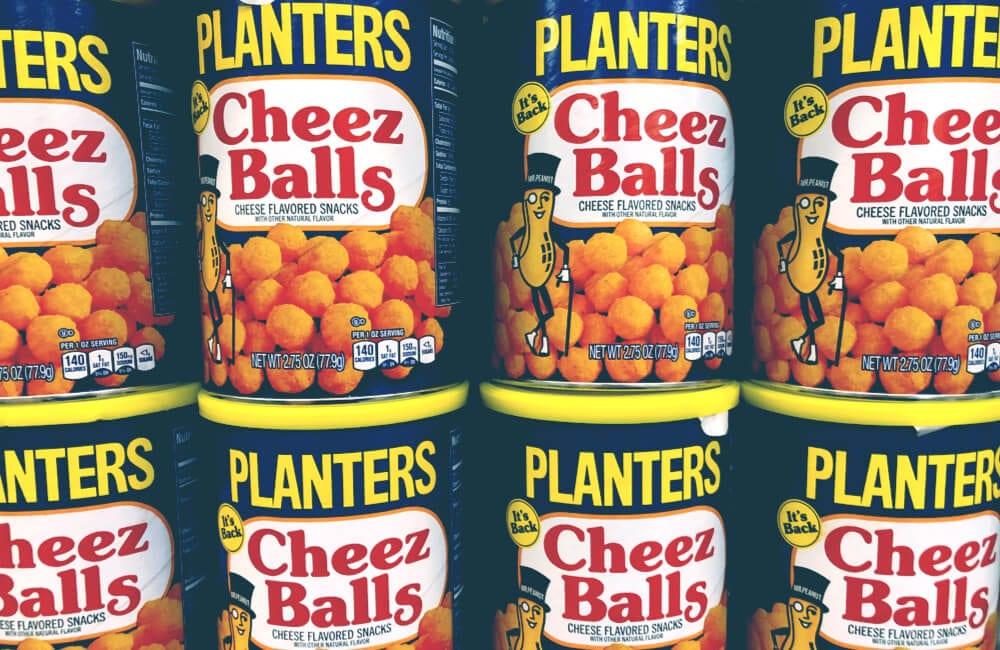 Cheez Balls @melissamn / Shutterstock.com