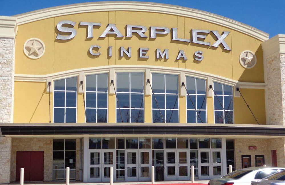 Starplex Cinemas @Royal_Window / Twitter.com