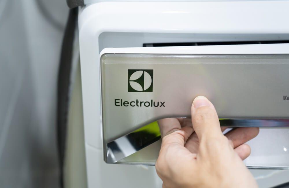 Electrolux AB (Eureka Brand) ©Wachiwit / Shutterstock.com