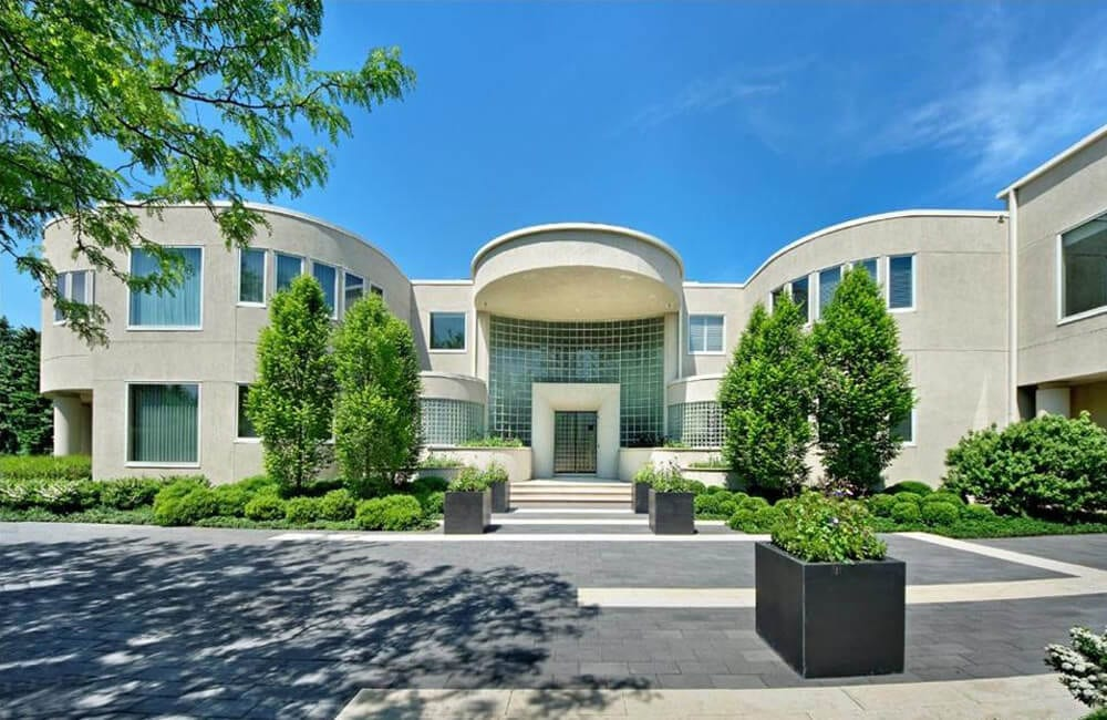 Michael Jordan's Chicago Estate - Chicago, Illinois @Forbes / Pinterest.com