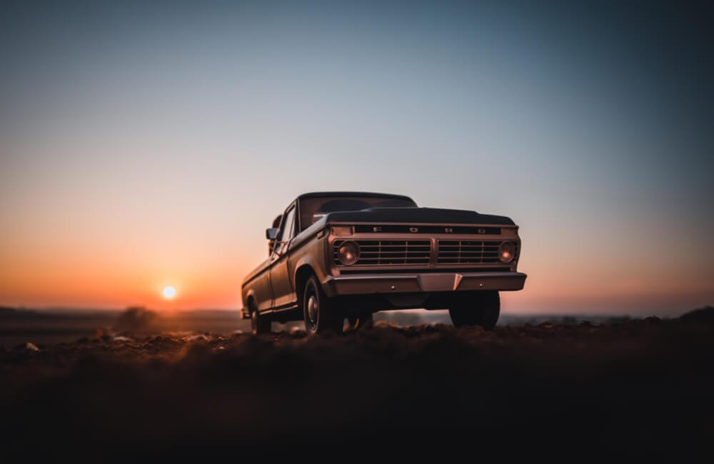 Ford F100 ©Peter Kniez/Shutterstock