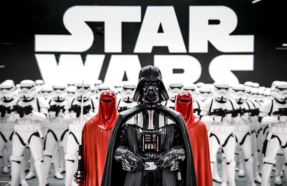 Star Wars © AKKHARAT JARUSILAWONG / Shutterstock.com