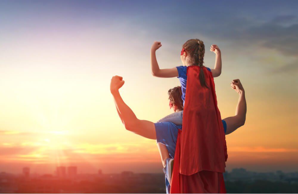 Super Dad ©Yuganov Konstantin / Shutterstock.com